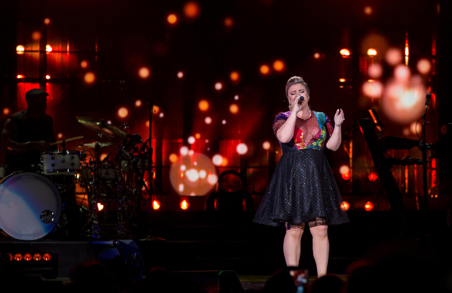 Kelly Clarkson performs in Austin, Tex., in 2015.