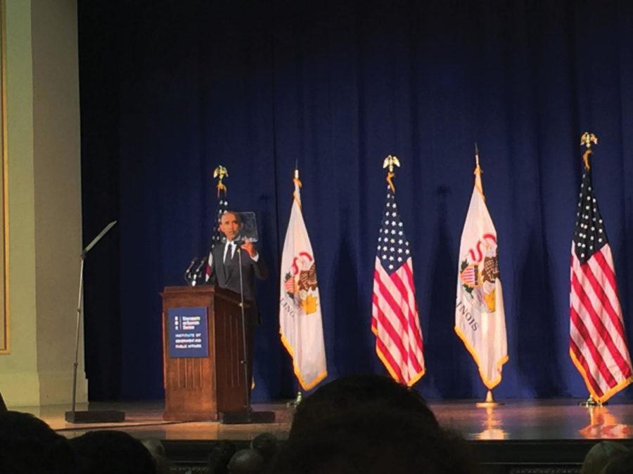 Obama+accepts+award+at+U+of+I